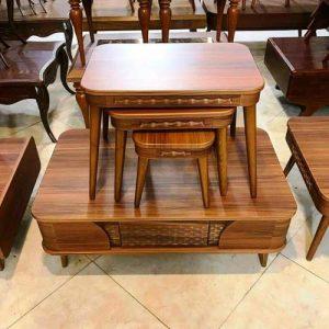 ز میز سنتی و کلاسیک استفاده می شود. میز جلو مبلی کلاسیک از چوب ساخته می شود و قیمت بالاتری نسبت به جلو مبلی های دیگر دارد